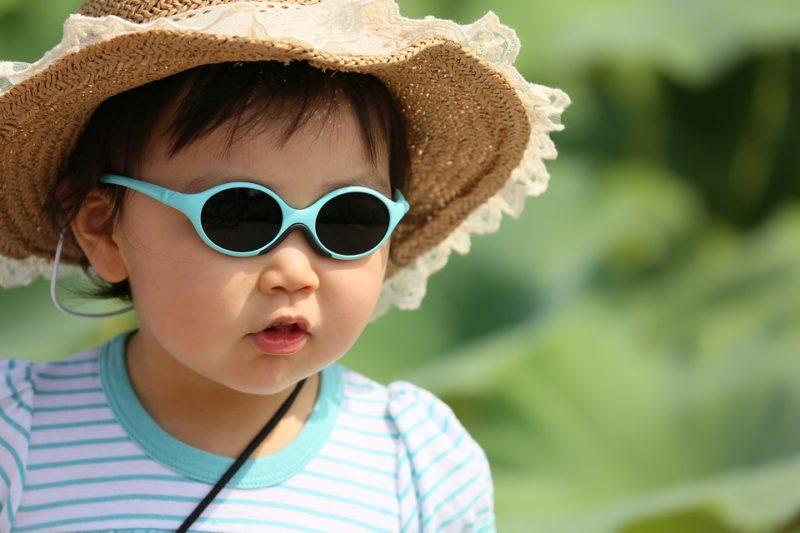 Proteger los ojos de los niños en épocas de verano es una prioridad